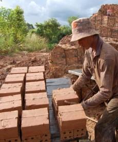 pembuatan batu bata ringan